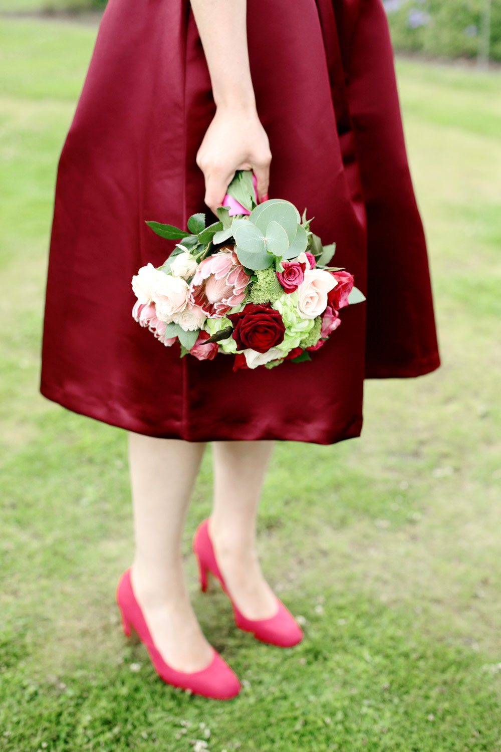 Hot pinks and marsala wedding colours