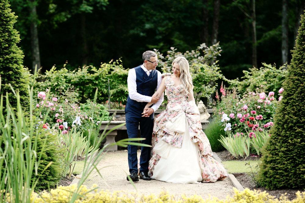 Scotland wedding bride and groom photo