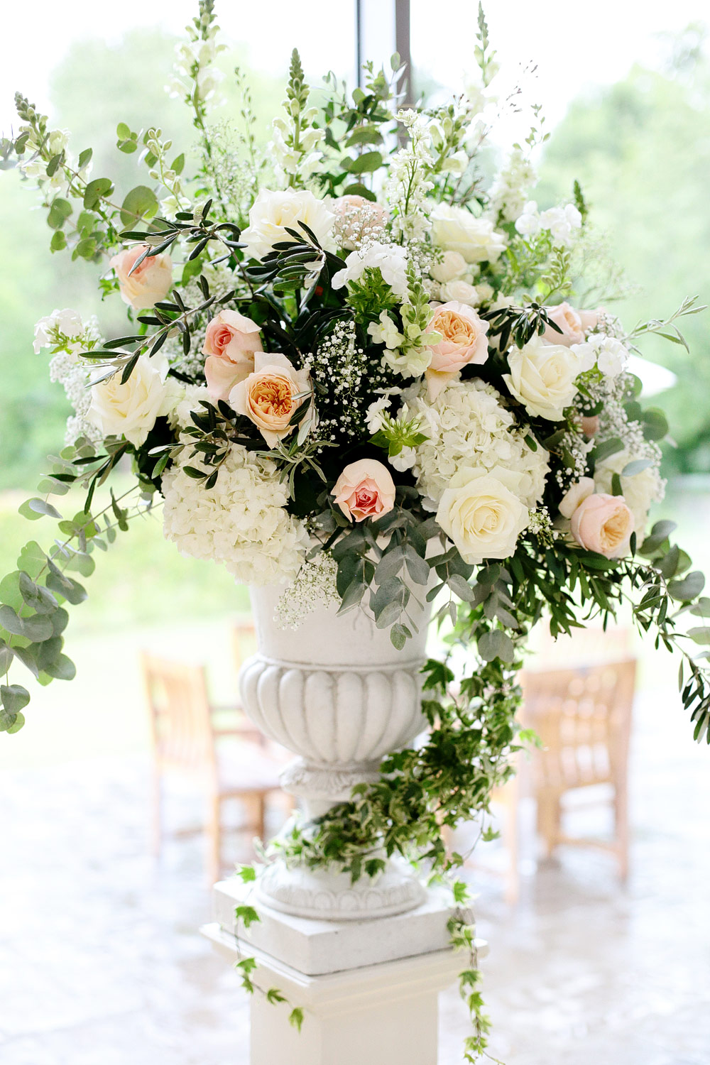 millbridge court wedding flowers photo