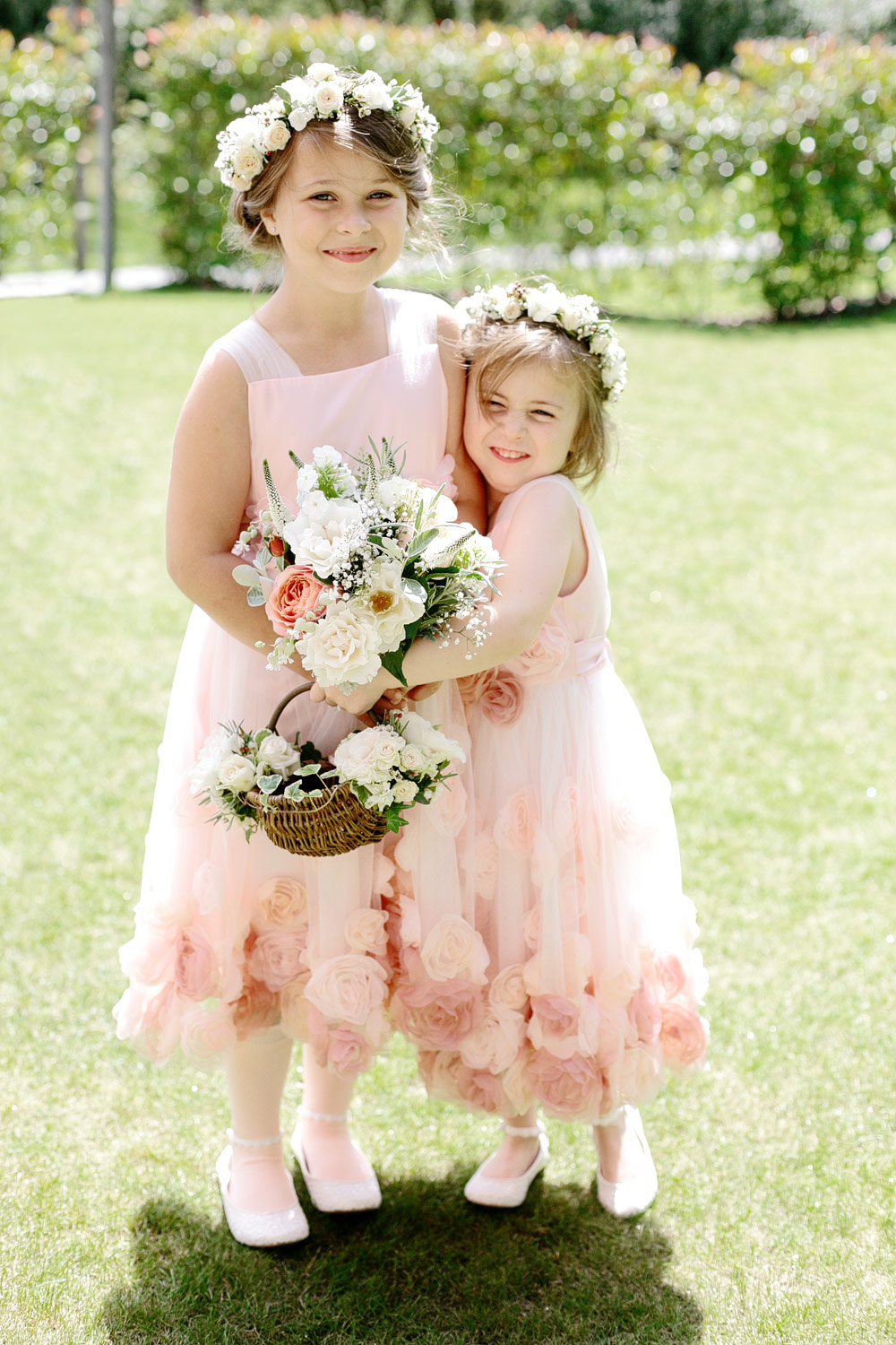millbridge court wedding flower girls photo