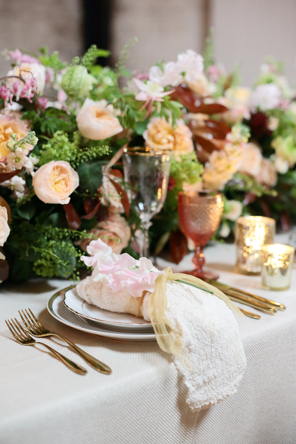 silk wedding table napkins.jpg