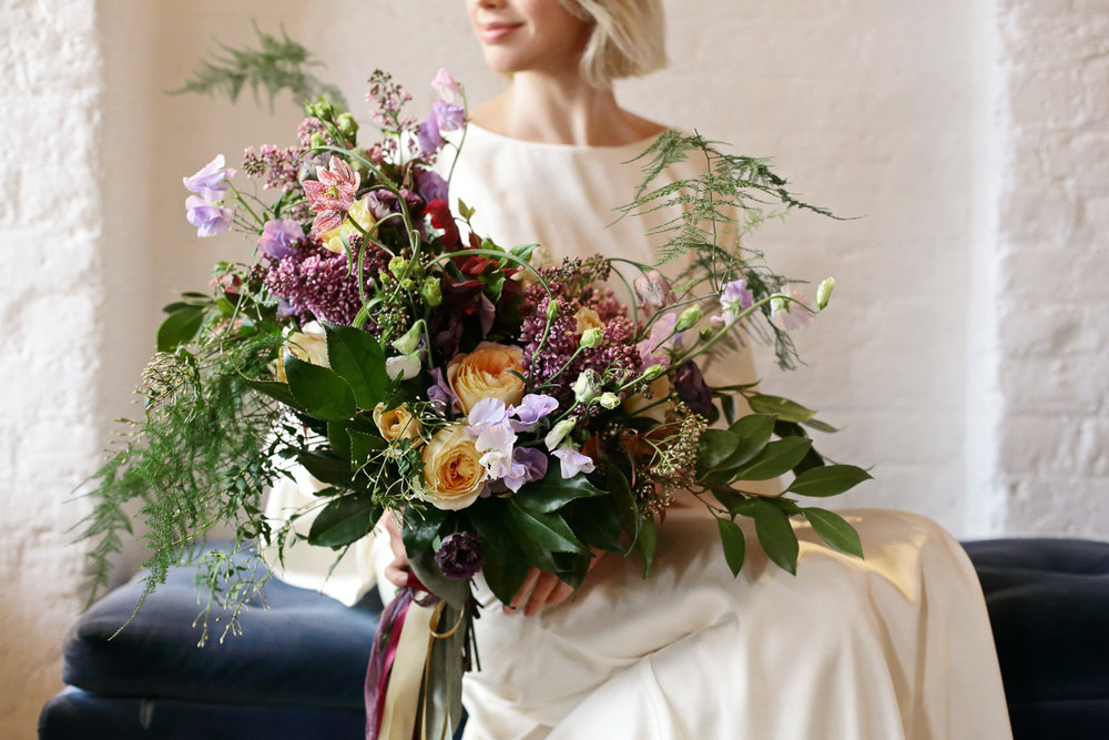 loose bridal bouquet spring flowers