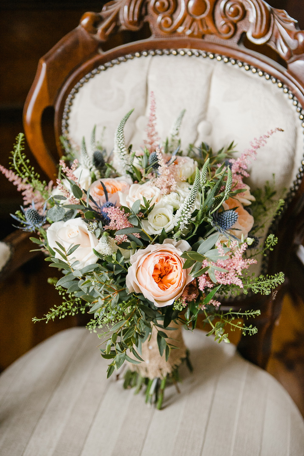 bride's flowers for virginia park lodge wedding