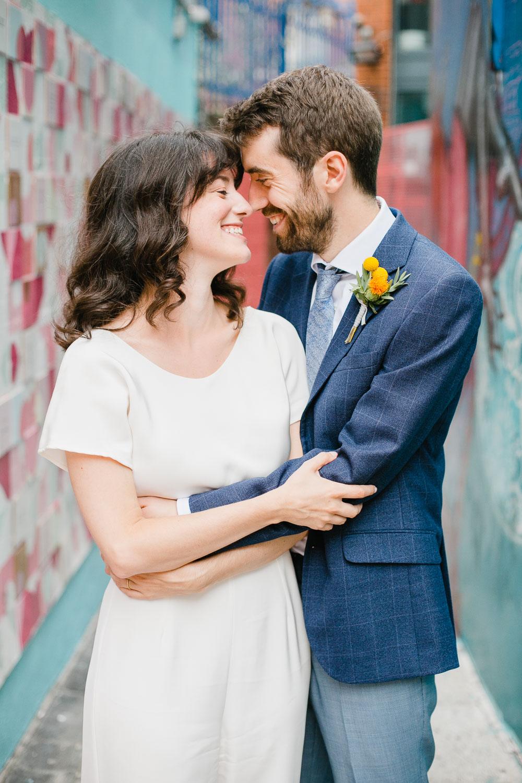 Bride And Groom Wedding Photos In Temple Bar Dublin