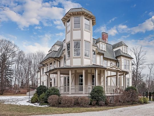 A home for sale on Irvington's Field Terrace is on the market for $2,650,000. Luxury is the one area showing some weakness, says a just released housing report.    (Photo: Houlihan Lawrence)