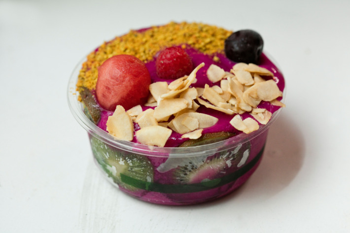 Lulu's Talulah comes with dragon fruit, peaches, bananas, lucuma, hemp milk, granola, cacao nibs, matcha, and bee pollen. Photo: Melissa Hom