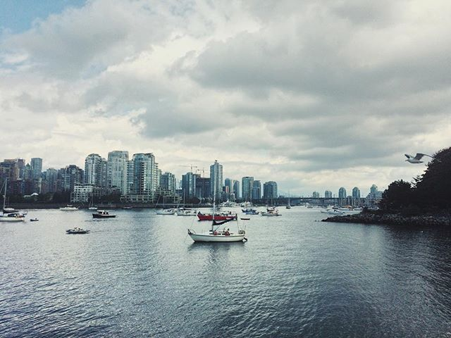 Hi there, new home.  __________ #vancouver #home #downtown #skyline #boat #view #canada