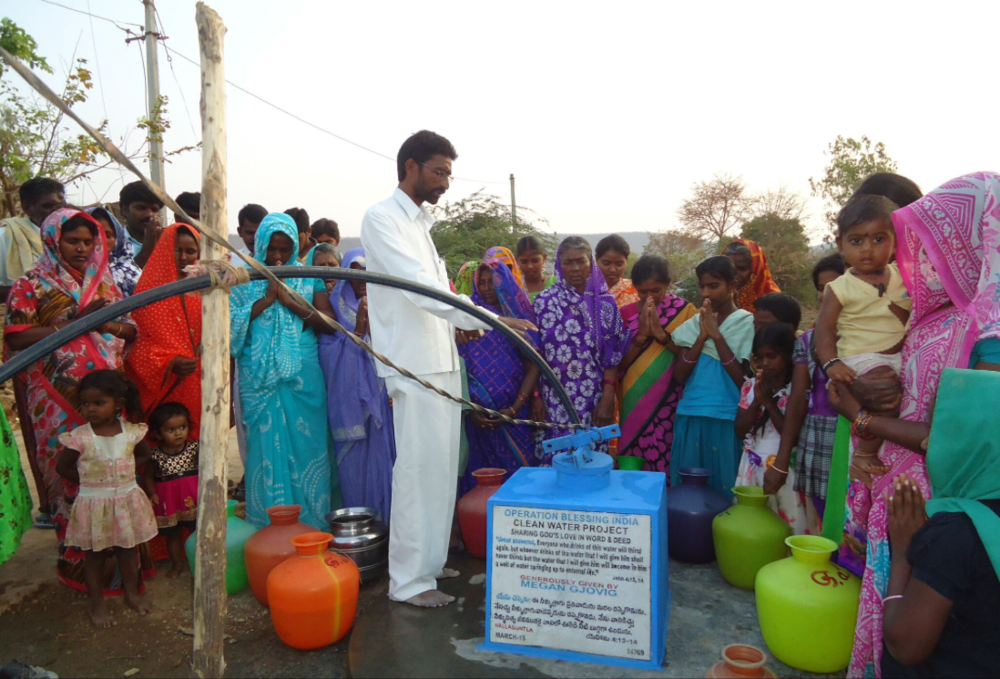 Fresh water dedication ceremony in India completed with Generosity.org