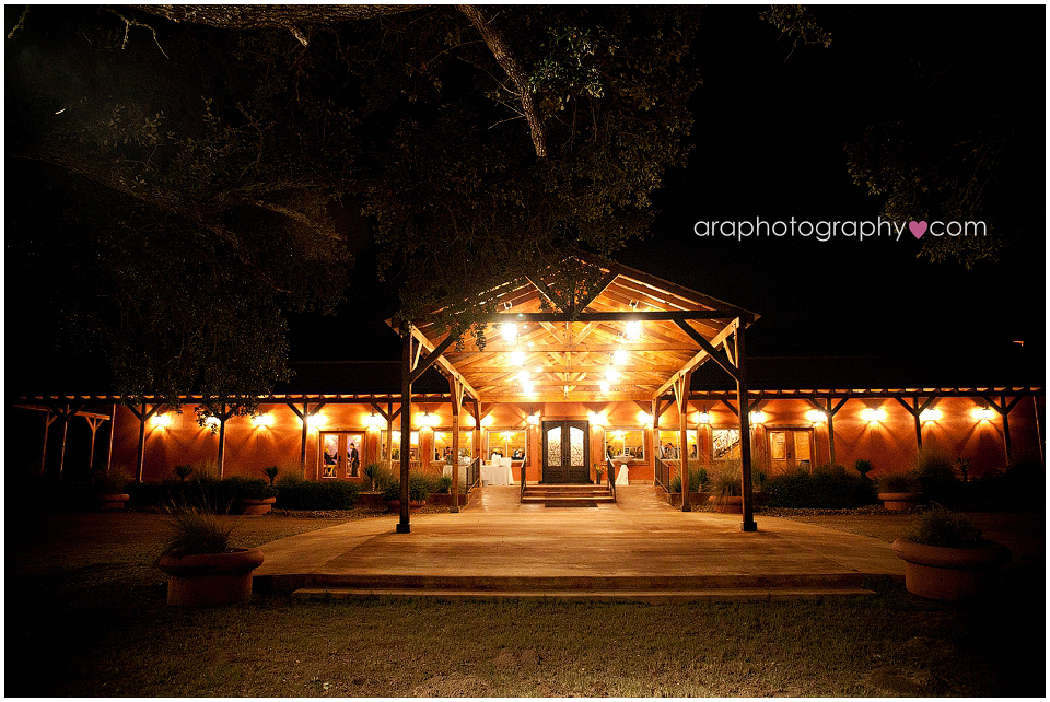 Sandy_Oaks_Weddings_Ara_001
