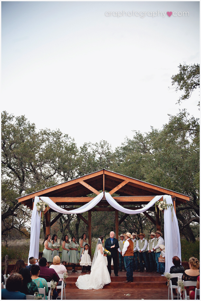 Sandy_Oaks_Weddings_Ara_007