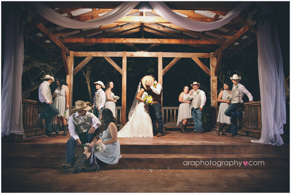 Sandy_Oaks_Weddings_Ara_008