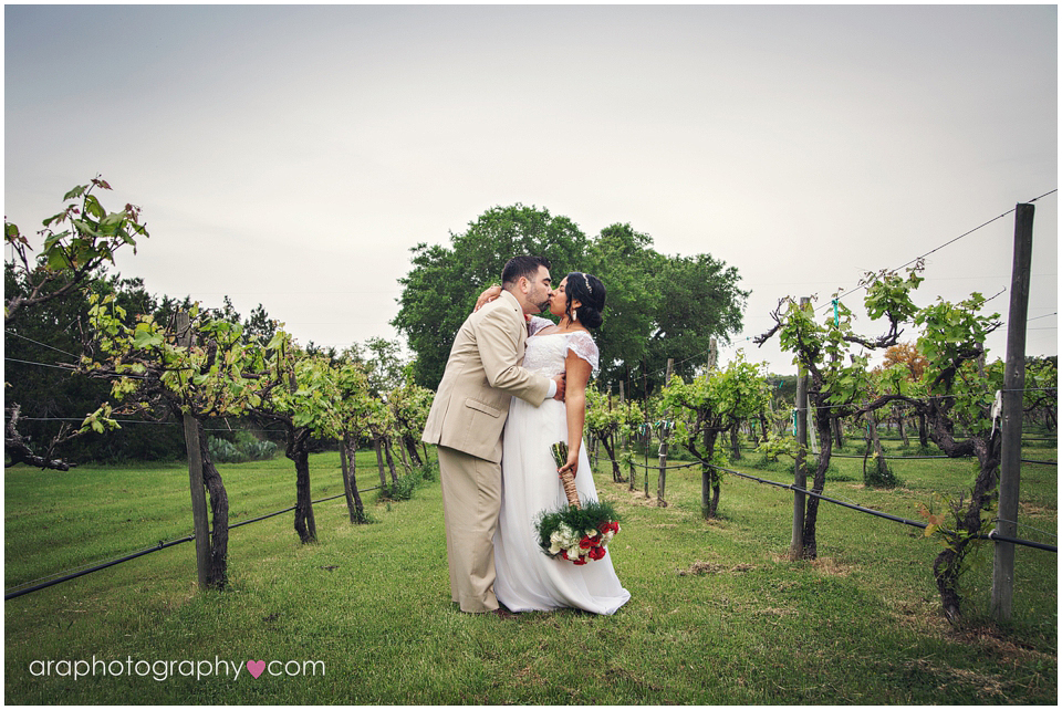 Vineyard_Wedding_011