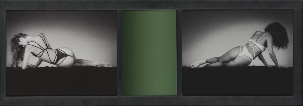 Mirror Image, 1987. Dos prints de gelatina de plata y espejo coloreado. 47,2 x 134,7 cm.
