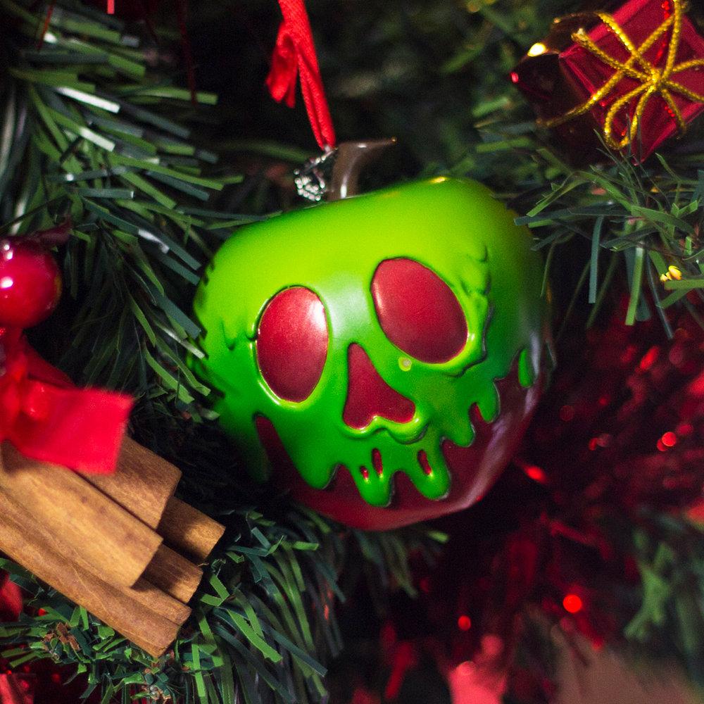 Christmas_Apple_3.jpg