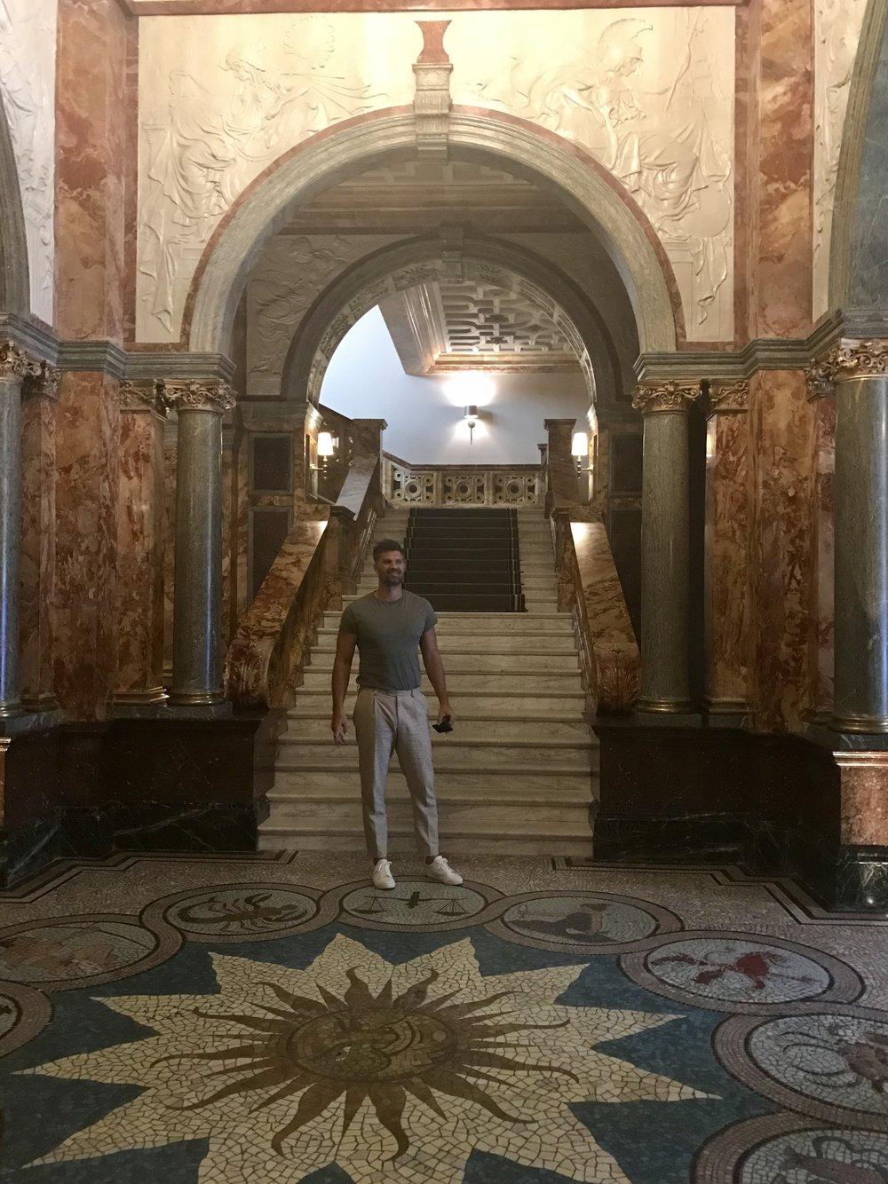 Kimpton Fitzroy har en spektakulær lobby!