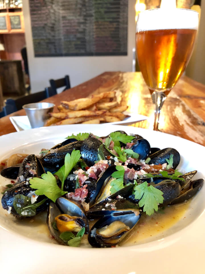 Moules Frittes.jpg