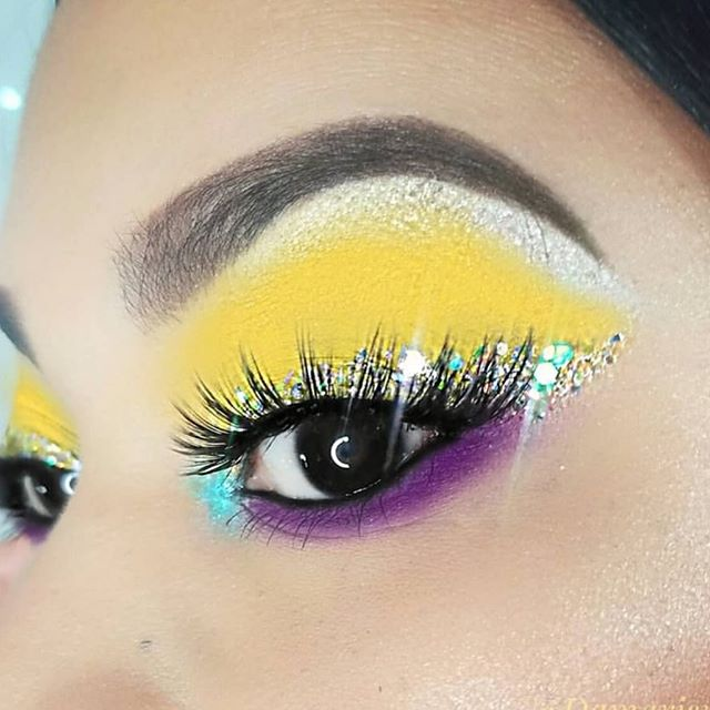 @damarismakeup in our Melissa Lashes! Who else is loving this yellow eye combo? 🙋‍♀️🙋‍♀️❤️ . . ________________________________ #mua #motn #makeup #makeupaddict #makeupjunkie #makeupartist #makeupdolls #glam #eyebrows #lipstick #love #instagood #insta #lashes #anastasiabeverlyhills #beautyblogger #beauty #motd #makeupforever #makeuplover #falselashes #instabeauty #instamakeup #picoftheday #hudabeauty #vegas_nay #lashaddict #iphone #iphonephoto #iphonephotography