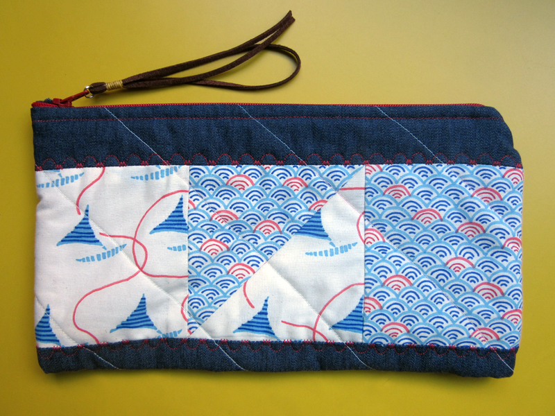 estampa-manual-navy-clutch