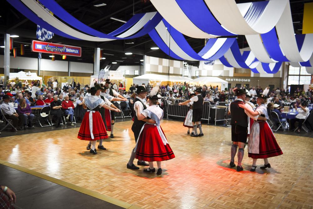 Oktoberfest dancing couples.jpg