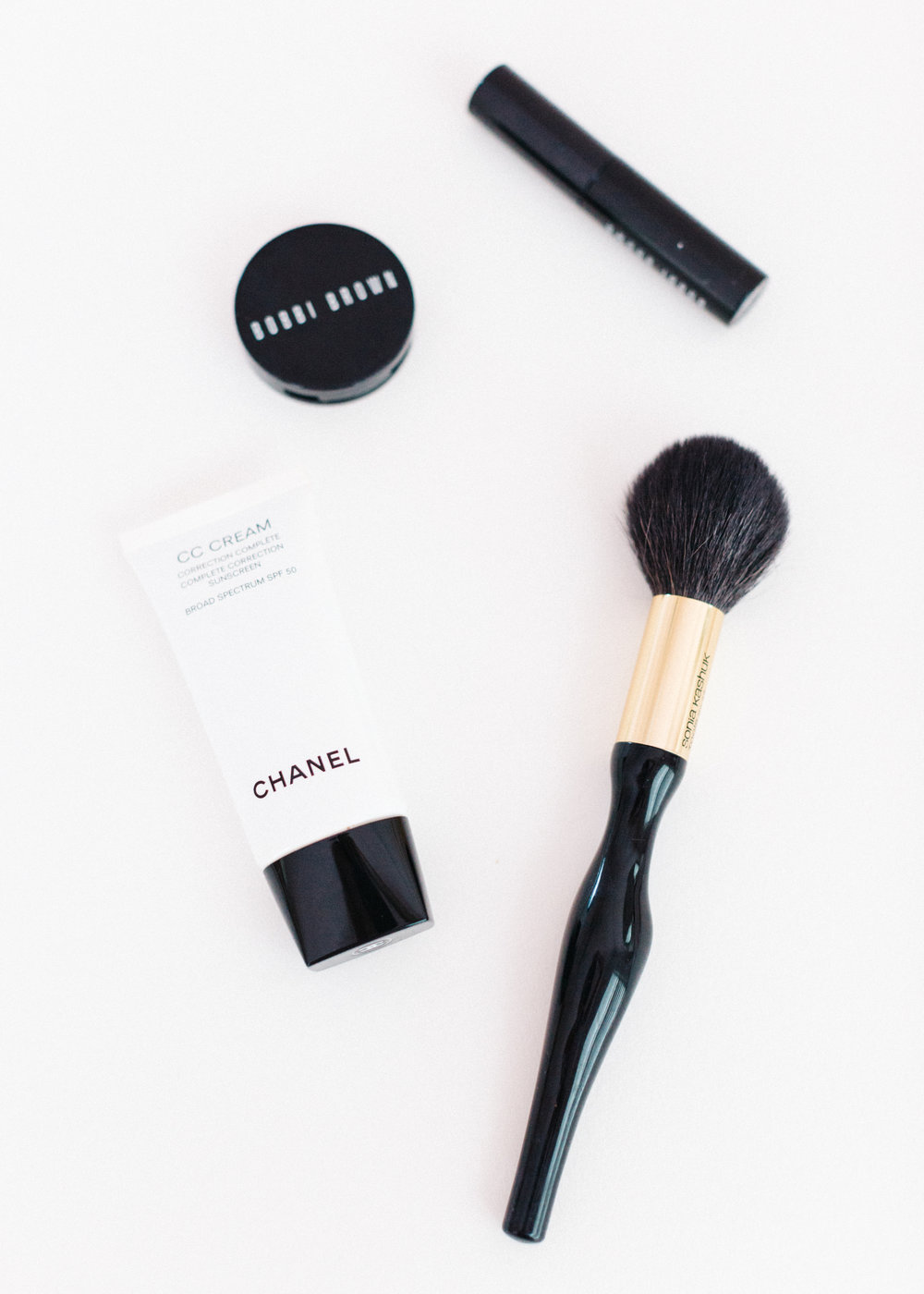 Beauty Travel Essentials // sarahmecke.com