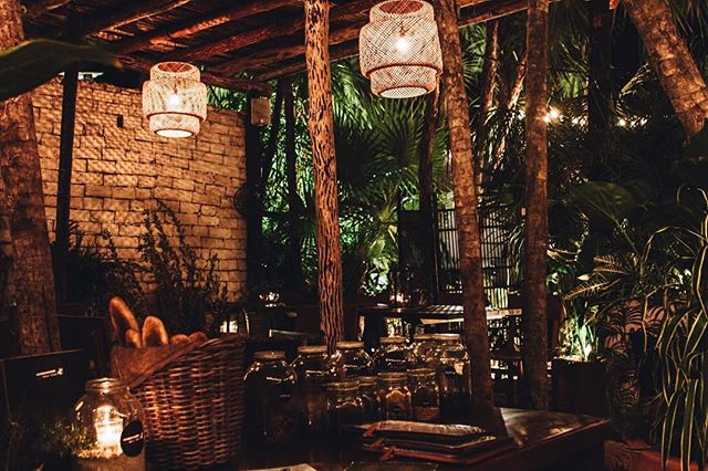A trip to Tulum is incomplete without a dinner or sunset drinks with us! 🐒#MurmurTulum . . . . . .  #tulum #visualsoflife #feedyoursoul #visitmexico #folkgreen #junglevibes #livethecapture #livingtraveling #passionpassport #foodporn #mexico #starttheadventure #theweekoninstagram #interiorheaven #letsgosomewhere #welltravelled #onthetable #tulummexico #goandexplore #murmur #caribbean #architecture #localseasonalingredients #thisworldexist #jungle #lovemyjob #vscocam #murmurpopup #drinks