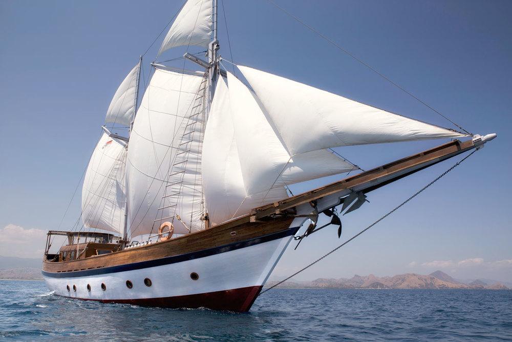 Яхта MANTRA