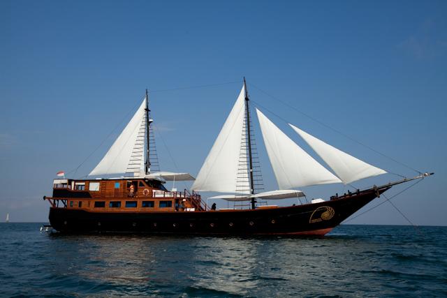 Яхта SAMATA