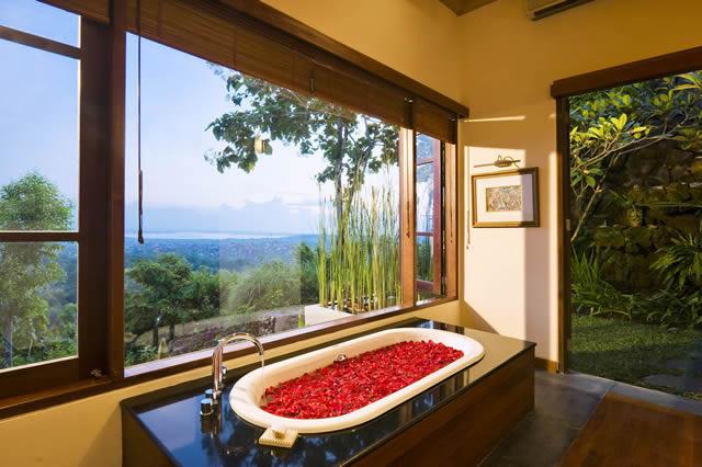 Longhouse-Bali-Bathroom.jpg