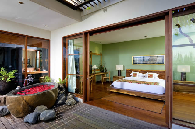 Longhouse-Sumatra-bedroom-&-bath.jpg