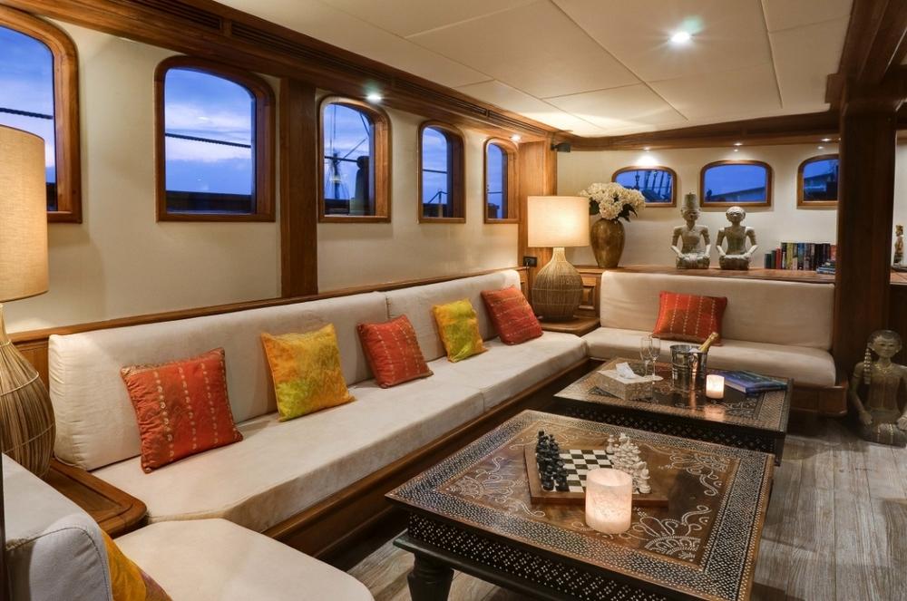 Яхта MUTIARA LAUT