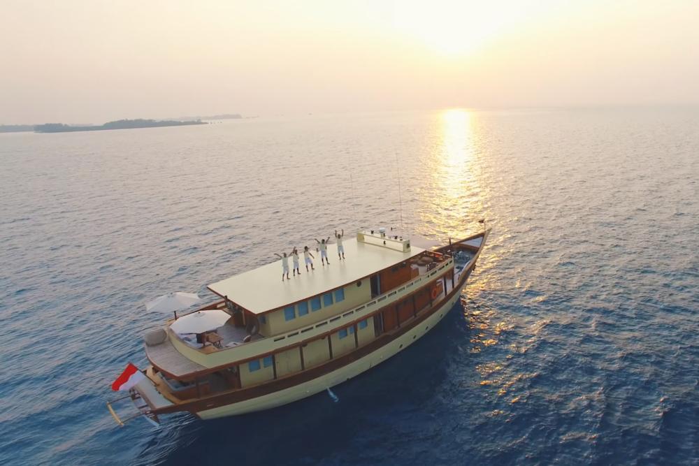 Яхта MISCHIEF