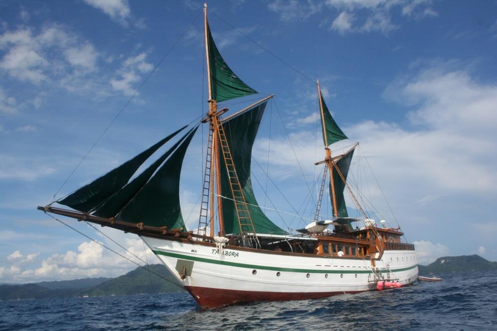 Яхта Tambora в аренду в Индонезии