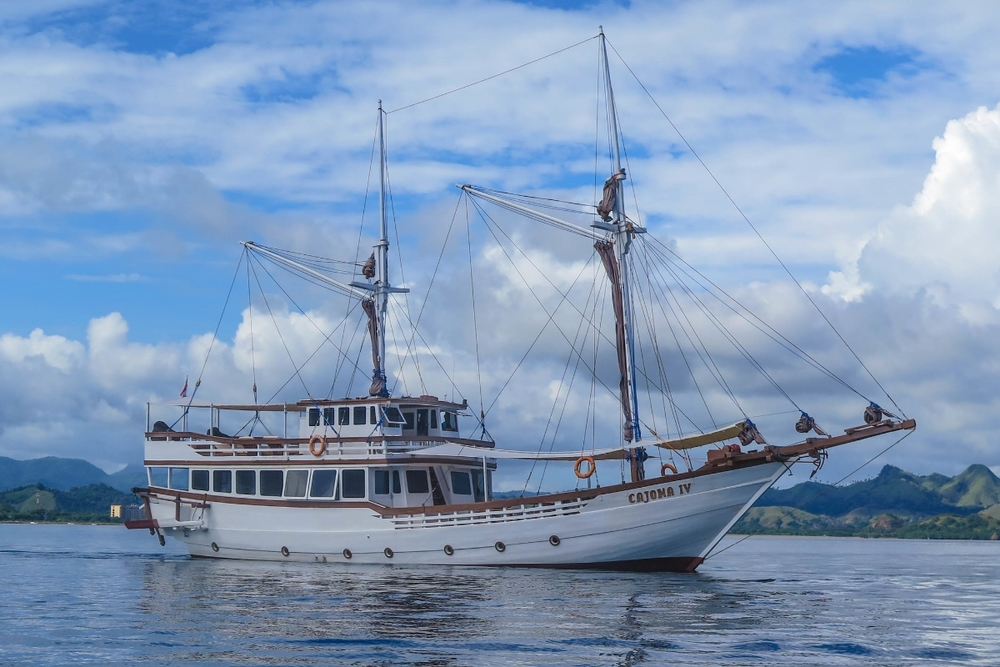 Яхта CAJOMA IV в аренду в Индонезии