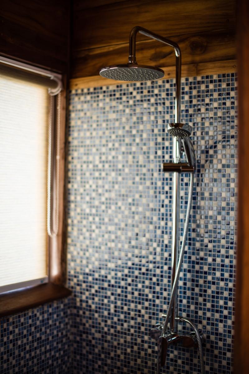 UIY_Samambaia_master_cabin_shower.jpg