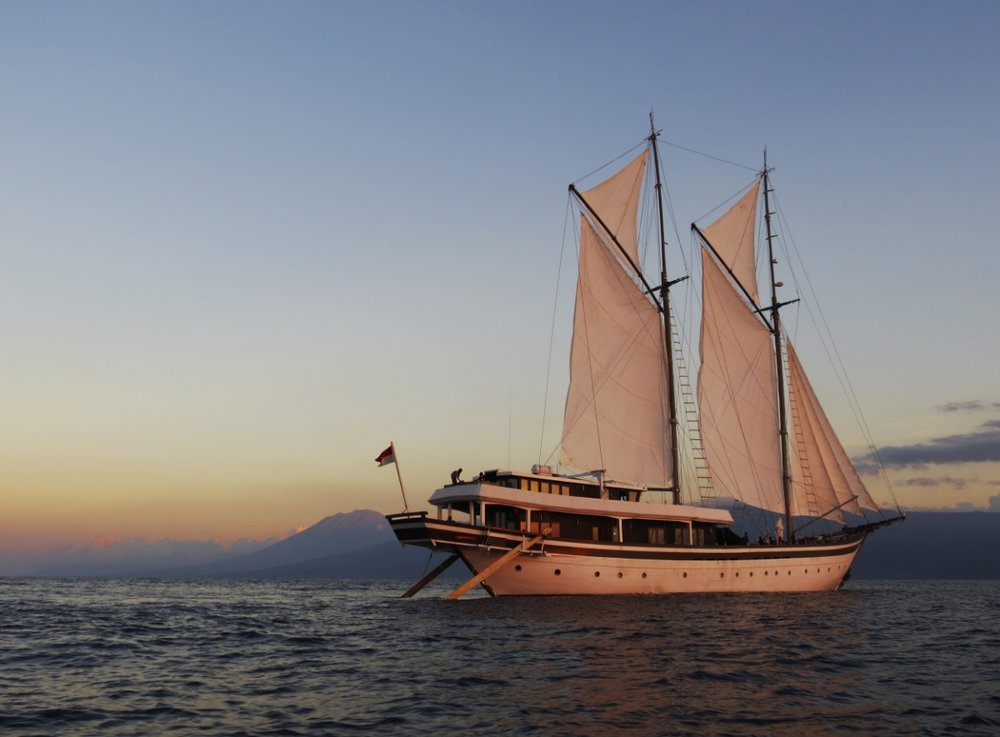 Yacht ZEN