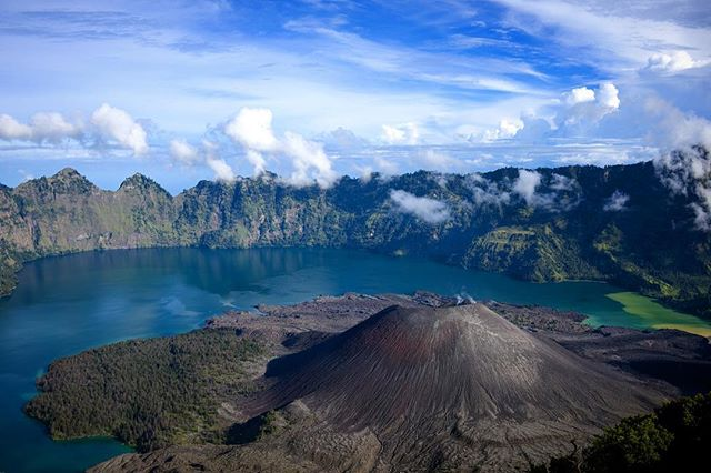 With direct flights from Singapore, Lombok is a great place to start an Indonesian sailing sojourn past volcanoes, savannah cloaked isles and crater lakes and onwards to Komodo National Park • • • #indonesia #bali #lombok #komodo #mountrinjani #trek #volcano #kayak #tropical #travel #sea #landscape #island #asia #luxury #sailing #yacht #phinisi #escape #honeymoon #beach #ocean #adventure #wilderness #explore #nature #landscapephotography #vacation #wanderlust #traveldeeper #explore