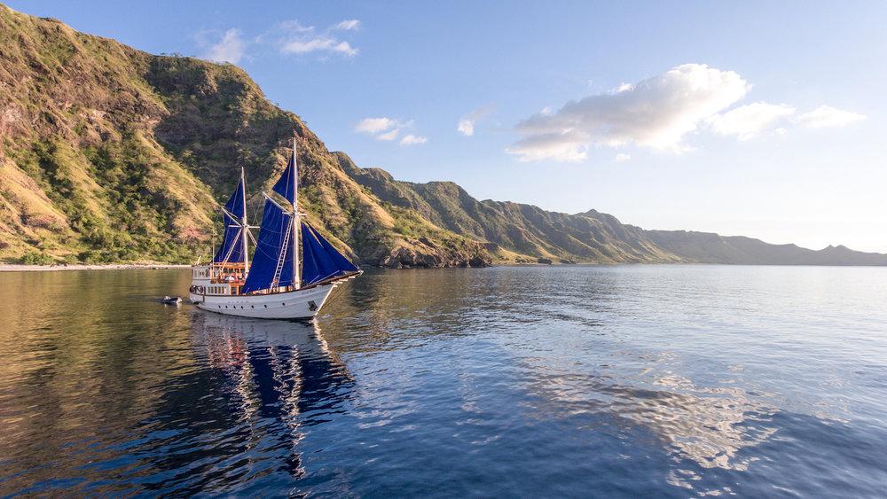 UIY_Ocean-Pure_a8-landscape-exploration-sailing.jpg