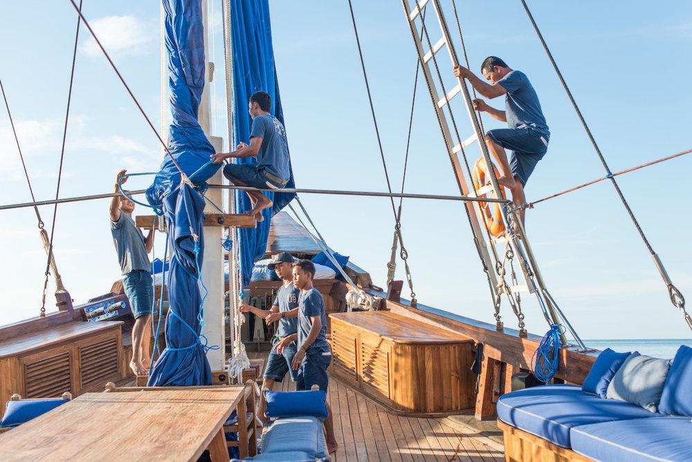 UIY_Ocean-Pure_f1-sailing-staff.jpg