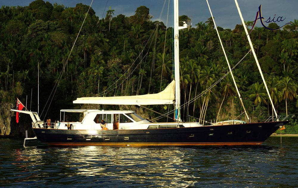 yacht-charter-triton-bay-106.jpg