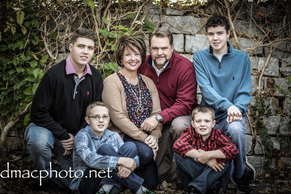 Cogdill family-.jpg