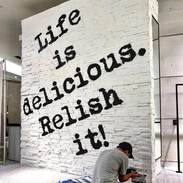 Enjoy ALL the fix-ins. #MondayMotivation 📸 : @imalexinc 🎨 : @wrdsmth