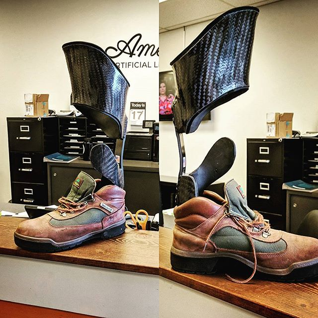 Tibial tubercle height partial foot prosthesis, ready to go home! . . #prosthetics #orthotics #smallbusiness #americanartificiallimb #aalseattle #seattle #oandp #washingtonstate