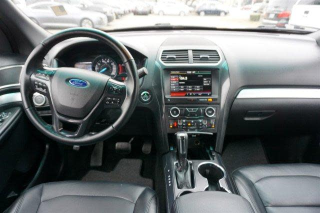 ford explorer interior.jpg