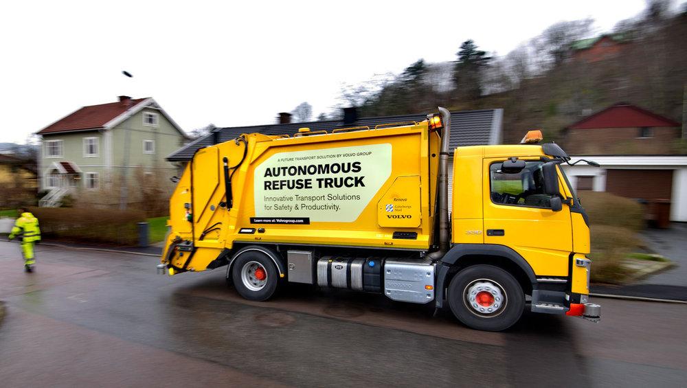 1860x1050-news-volvo-pioneers-autonomous-self-driving-refuse-truck-newsintro@2.jpg
