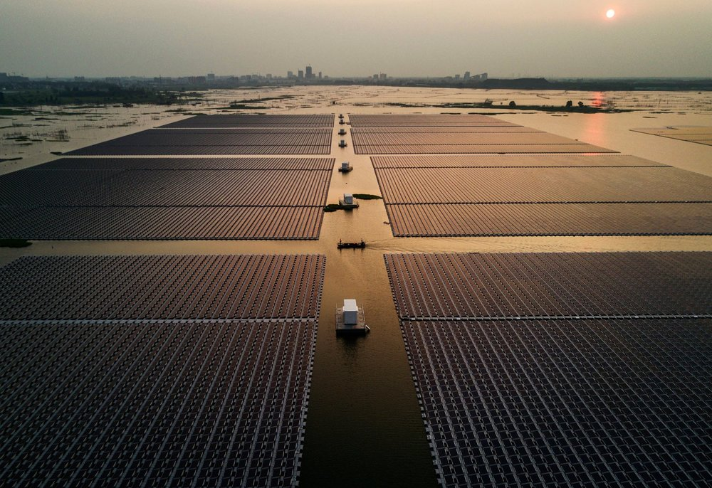 kevin-frayer-china-floating-solar-field-1.jpg