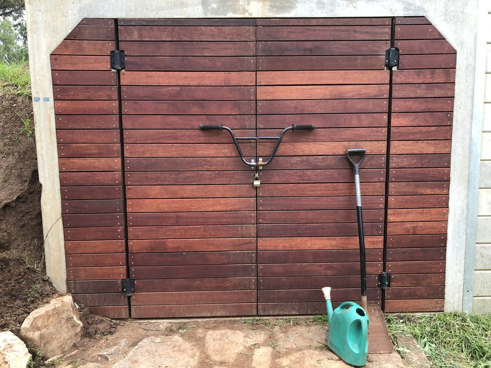 Shed with bars.JPG