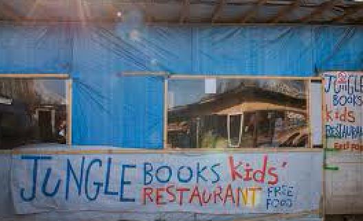 Le café des Enfants : un endroit où les enfants peuvent s'amuser, regarder la télé, jouer au billard