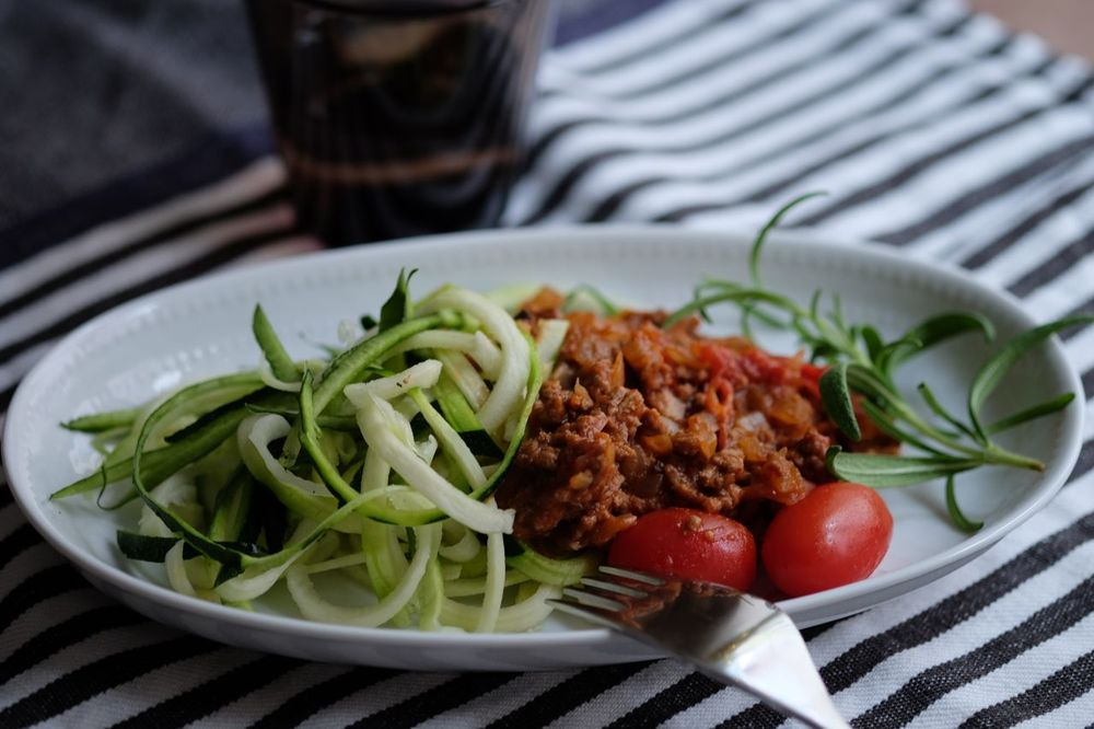 Zucchini pasta with Bolognese sauce