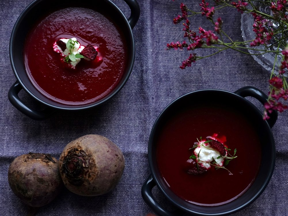 Baked tomato & beetroot soup