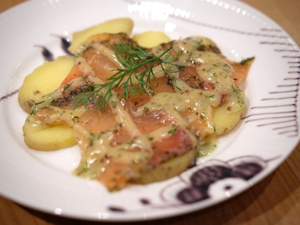 Gravet laks & cooked potate with mustard sauce